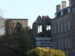 Chapelle-ruine-Hollyrood.JPG