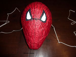 pinata spiderman en papier m ch le blog de maman nounou. Black Bedroom Furniture Sets. Home Design Ideas