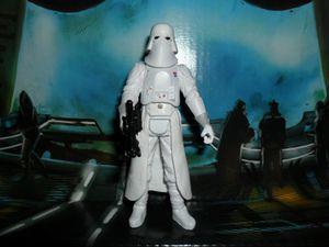 Collection n°182: janosolo kenner hasbro - Page 4 Snowtrooper-commander