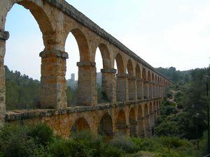 Tarragona-Aquecducta-Romanya.jpg