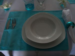 table-turquoise-003.jpg
