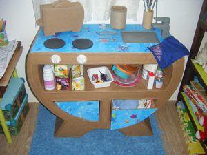 Commode en carton mini cuisine pour enfants tourne cuisinette pour en - Cuisine enfant carton ...