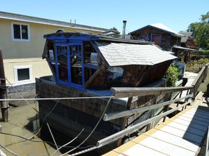 Sausalito houseboat Community - 11