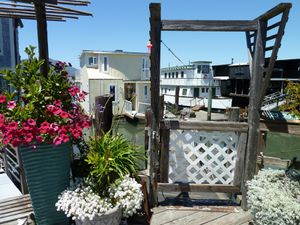 Sausalito houseboat Community - 25