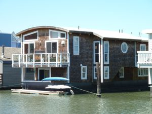 Sausalito houseboat Community - 35