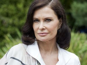 Jane-Badler-as-Diana-Marshall