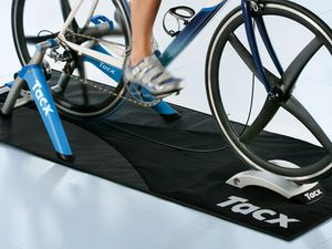 tapis sol home trainer tacx