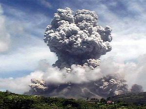 volcano_7big_montserrat_eruption-copie-1.jpg