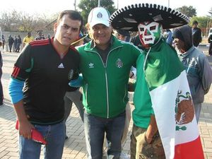 Les supporters mexicains sont venus en nombre - Pierrick Lieben 2010