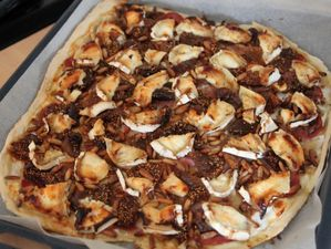 pizza-chevre--figues-et-bacon-bora.jpg