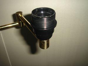 Installer une douille e27 sur un luminaire installer un - Installer luminaire sur douille dcl ...