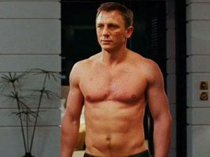 skyfall-james-bond-torse-nu.jpg