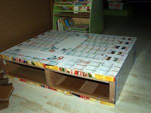 2010-11-19 table d'activité en carton