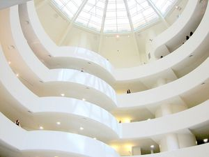 800px-Guggenheim-New_York-interior-20060717.jpg