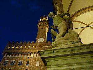 Palazzio-Vecchio--enlevements-des-sabines.JPG
