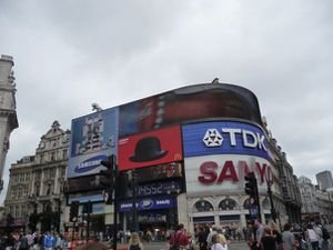 piccadilly-circus.jpg