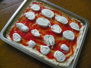 PIZZA-AUX-4-FROMAGES-2.jpg