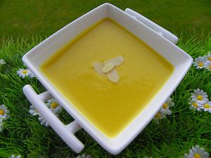 soupe-courge-curry-amandes-5.jpg