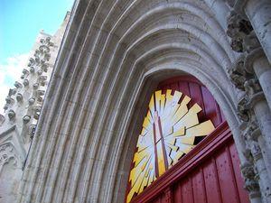porte de la foi cathédrale st caprais agen 020