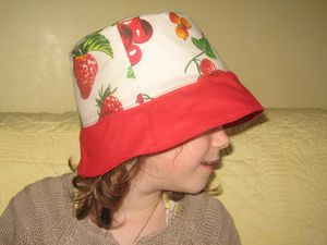 chapeau fruits rouges 002