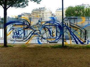 ASTRO_Paris_quai_de_seine_2010_reverse.jpg