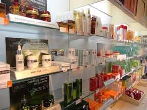 YVES ROCHER PAIMPOL ANTIAGE ET NUTRITION