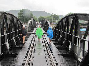 Kanchanaburi pont de la rivière Kwaï 10
