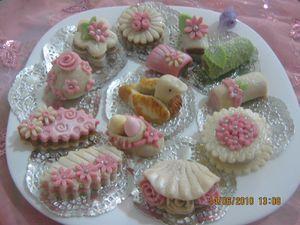 اشكال جديدة لحلويات جزائرية 2011 عصرية بالصور ج1 Photo-415
