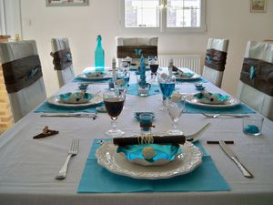 Table turquoise 003