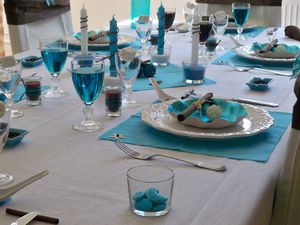 Table turquoise 014