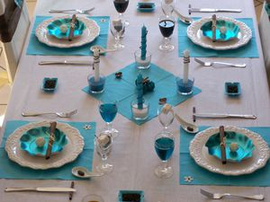 Table turquoise 039