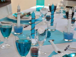 Table turquoise 049