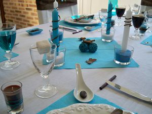 Table turquoise 057