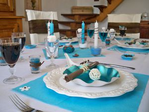 Table turquoise 069