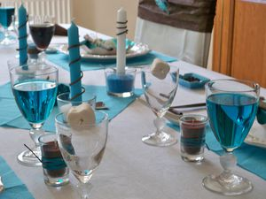 Table turquoise 102