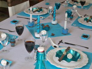 Table turquoise 109