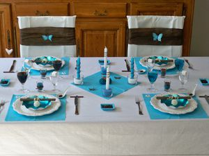 Table turquoise 114
