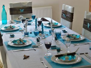 Table turquoise 176