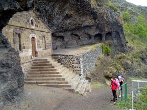Chapelle troglodite la Madeleine à Monistrol