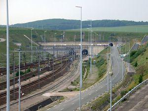 800px-Eurotunnel Coquelles 2008