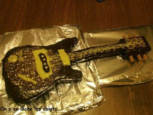 gateau guitare1