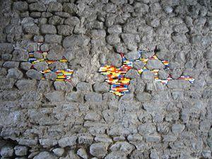 Mur réparé avec des legos