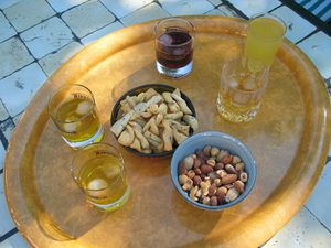 800px-Aperitif_for_five.jpg