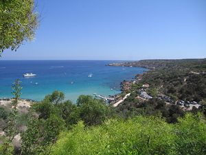 800px-Konnos_bay_Protaras_Cyprus_in_early_July.jpg