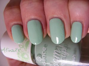 Essence BLOOM ME UP 01 Blow my mint 3
