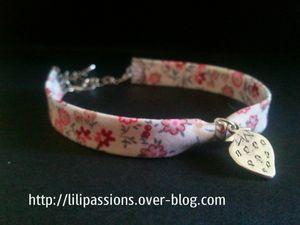 Bracelet-ruban-rouge-fraise-1.jpg