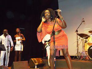 Institut-francais-de-Douala--18-octobre-2012.-l-a-copie-1.JPG