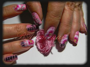 nail-art-rose-one-stroke-effet-journal-et-stamping-copie-5.jpg