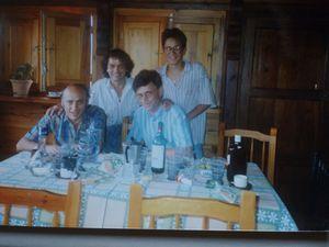 08-1992-Detras-Jose-y-mi-hijo-Sebastian.JPG