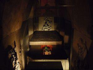 800px-Ajuar_funerario_de_Pakal_el_Grande_-Museo_Nacional_de.JPG